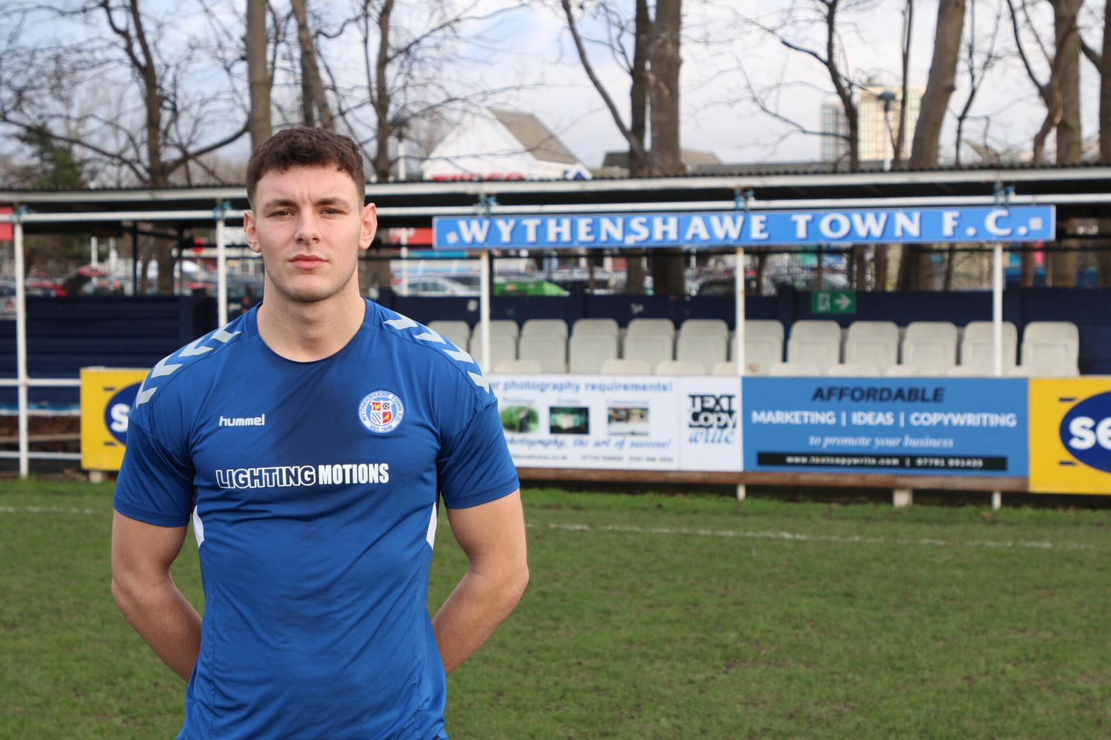 Heathcote signs for Town!